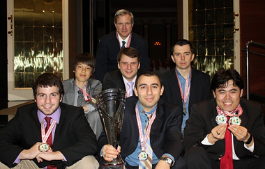 1st row: GMs Robert Hess, Varuzhan Akobian, Hikaru Nakamura, 2nd row: Ray Robson, Yury Shulman and Alexander Onischuk with captain IM John Donaldson in the back. Photo Tony Rich of CCSCSL